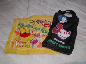 プーさんのタオルとミッキーの手提げバッグをゲット