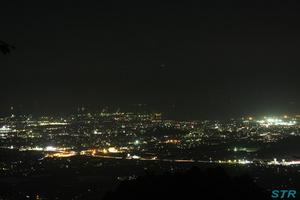 坂出城山園地から夜景を見る