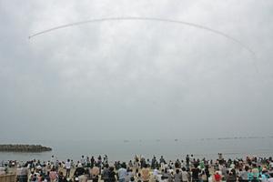 大社湾感謝祭 海原祭りブルーインパルス展示飛行