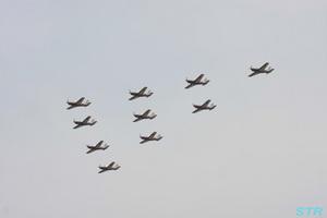 T-7 10機による航過飛行