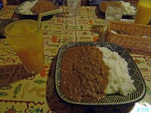天竺食堂で食事