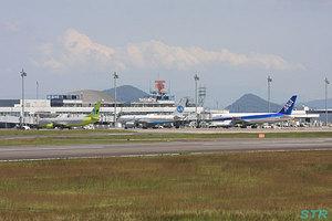 高松空港 ジンエアー機&ウラジオストク航空機飛来