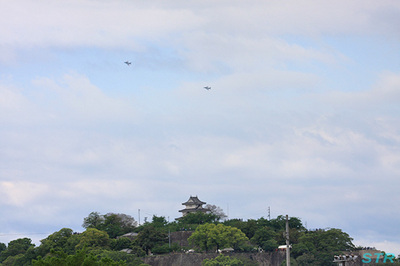 丸亀お城村 T-4航過飛行