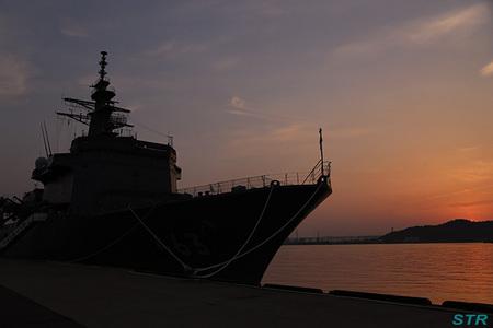 海上自衛隊艦艇 電灯艦飾