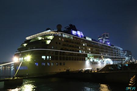 マンション型客船 THE WORLD