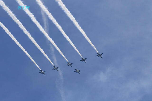 第65回よさこい祭りブルーインパルス展示飛行 前日予行