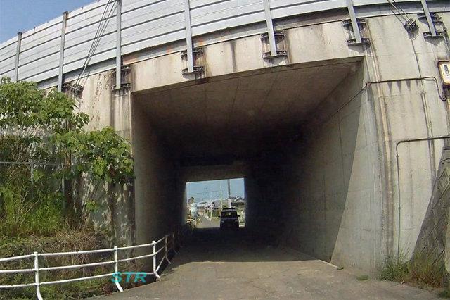 観音寺市大野原町大野原 高松自動車道側道での一時不停止違反取締り