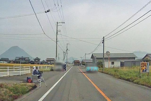 丸亀市綾歌町岡田東 国道438号下り車線でのネズミ捕り